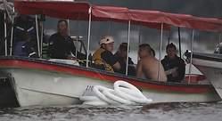 Un barco con 150 turistas naufraga en Colombia