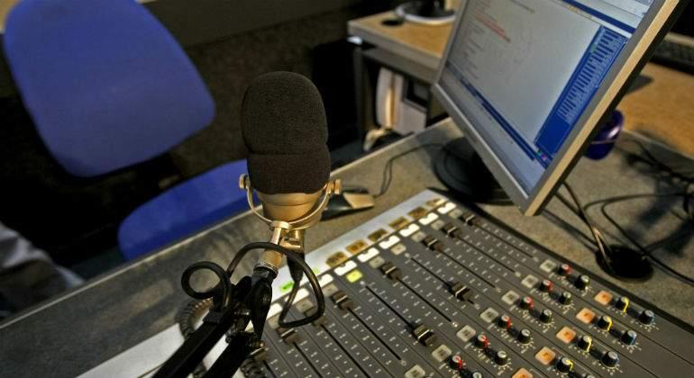 radio1111111111.jpg