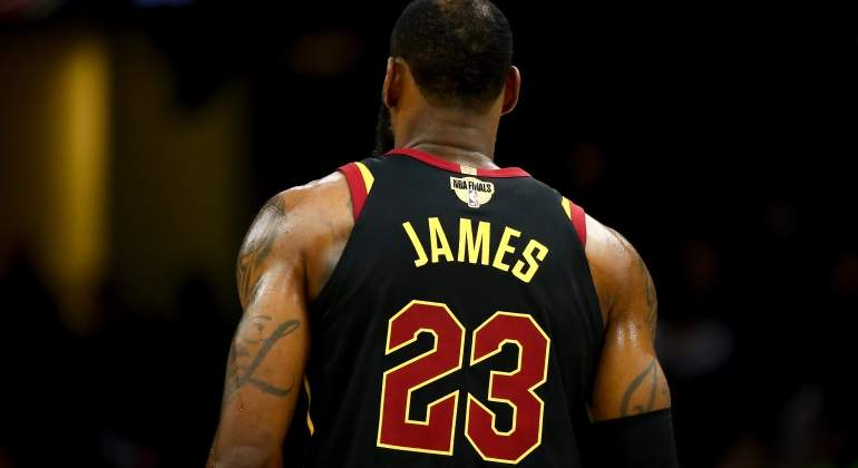 lebron-23-espalda-getty.jpg