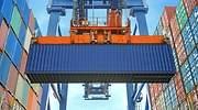 Contenedores de mercancas en un puerto