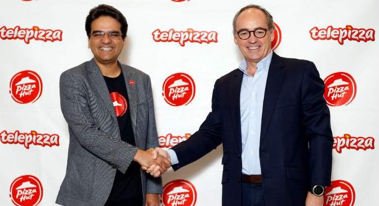 http://s04.s3c.es/imag/_v0/770x420/a/2/4/pizzahut-telepizza-efe.jpg