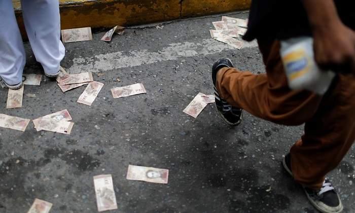 billetes-bolivar-suelo-venezuela-reuters-770x420.jpg