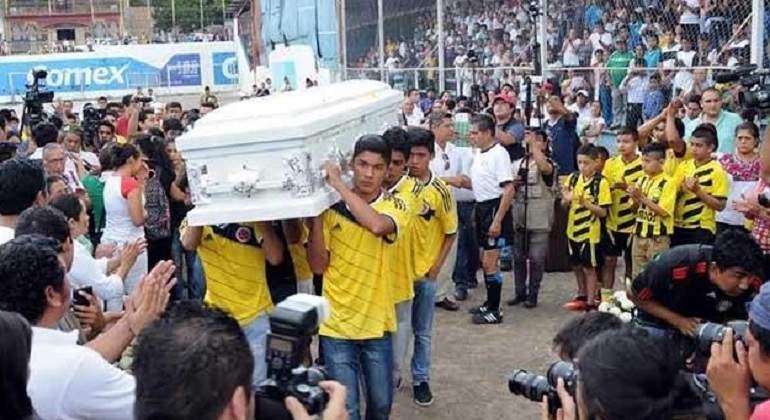 Denuncian que CEAV indemnizó a víctimas falsas del caso Ayotzinapa