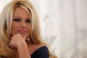 Pamela Anderson habla de Tinder