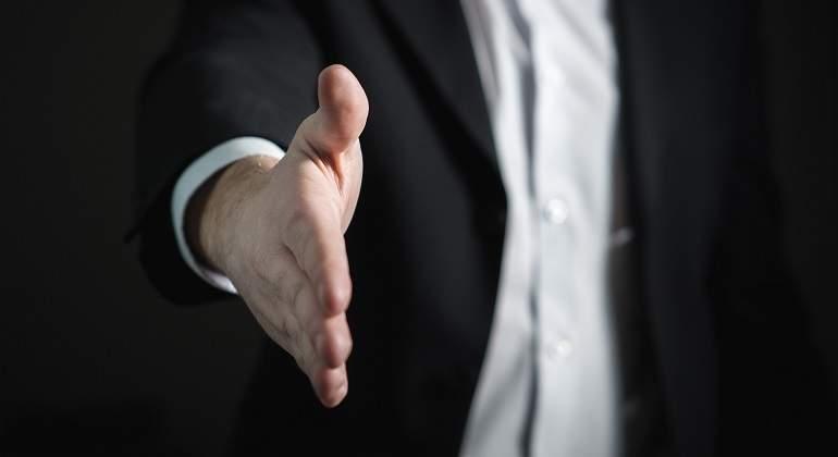 handshake-2056023_1920.jpg