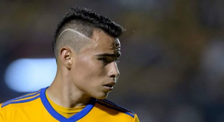 Tigres con Eduardo Vargas demolió al Puebla en la Liga MX