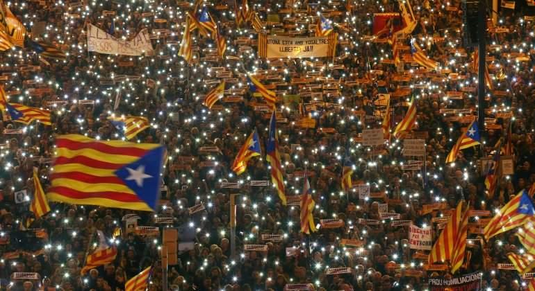 barcelona-mani-presos-luces-efe.jpg