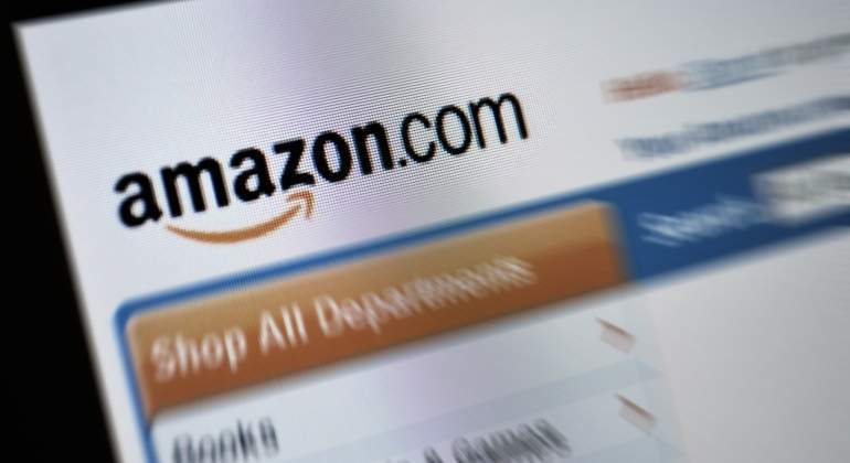 amazon-web-dreamstime.jpg
