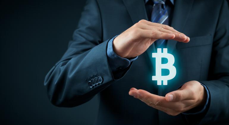 bitcoin-manos.png