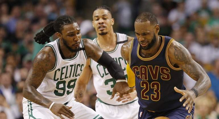 LeBron-James-2017-Boston-efe.jpg