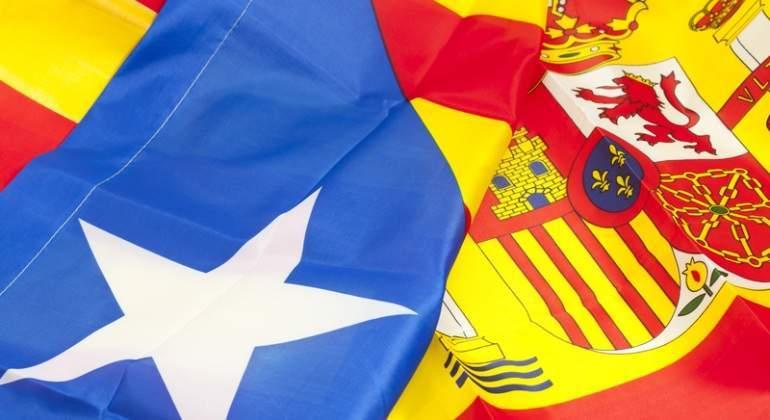 Cataluna-Espana-banderas-dobladas-Dreamstime.jpg