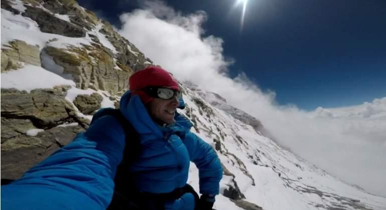 El español Kilian Jornet corona el Everest de una tirada y sin ayuda de oxígeno