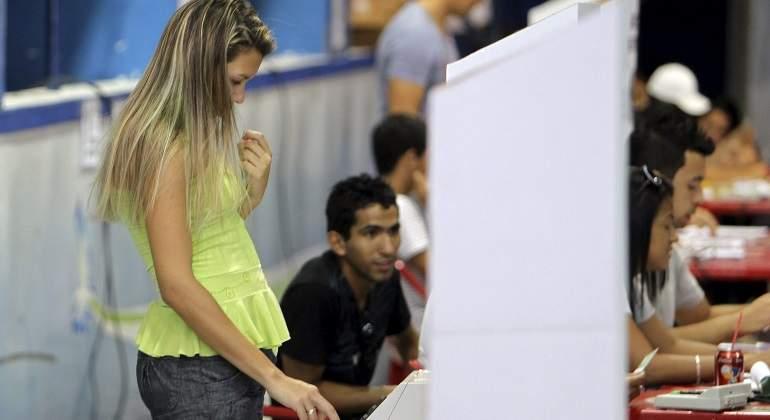 joven-vota-elecciones-brasil-efe-770x420.jpg