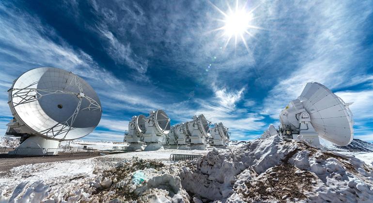 radiotelescopios-chile-efe.png