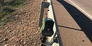 Polémica con los nuevos mini-radares de la DGT: su colocación podría ser ilegal
