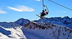Seis estaciones de esquí donde disfrutar (todavía) de la nieve