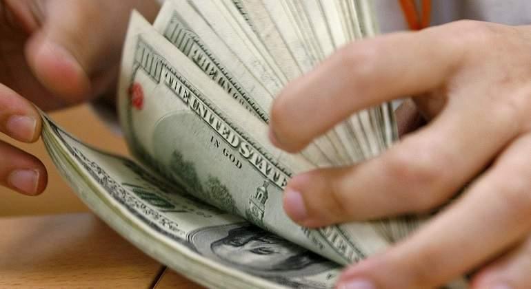 dolares-efe.jpg