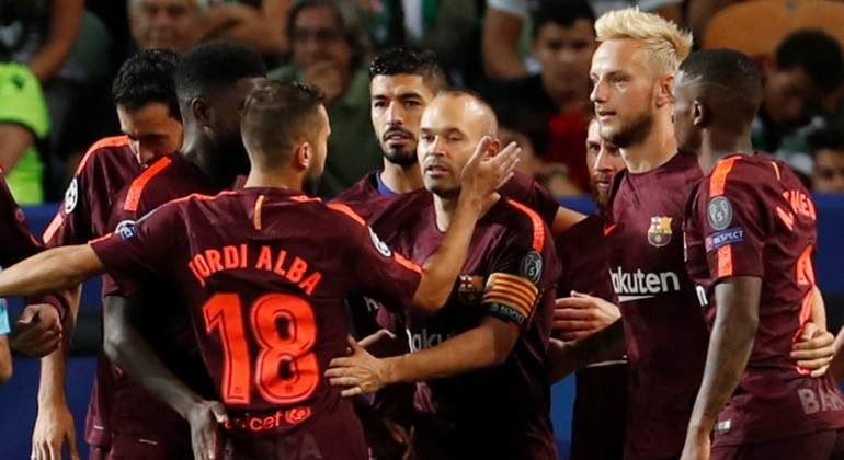 barcelona-celebra-camiseta-roja-reuters.jpg