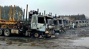 camiones-quemados-reuters.png