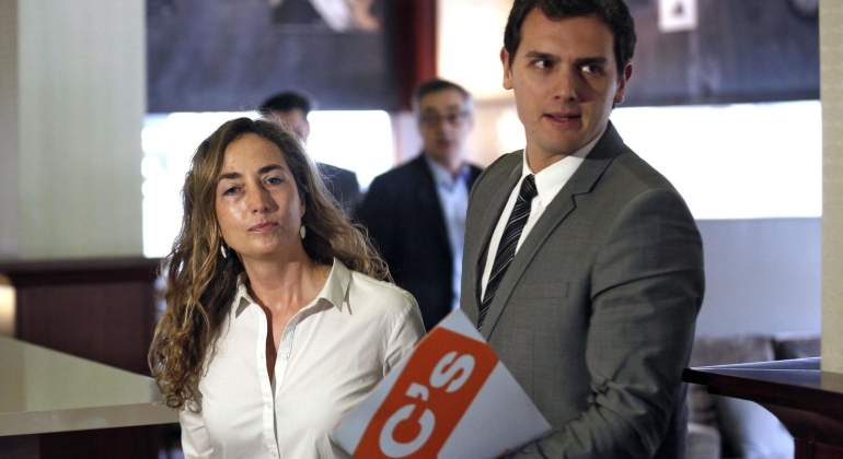 CAROLINA-PUNSET-ALBERT-RIVERA-EFE.jpg