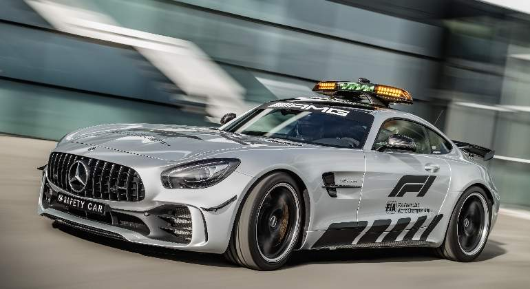 Mercedes-AMG-GT-R-safety-car.jpg