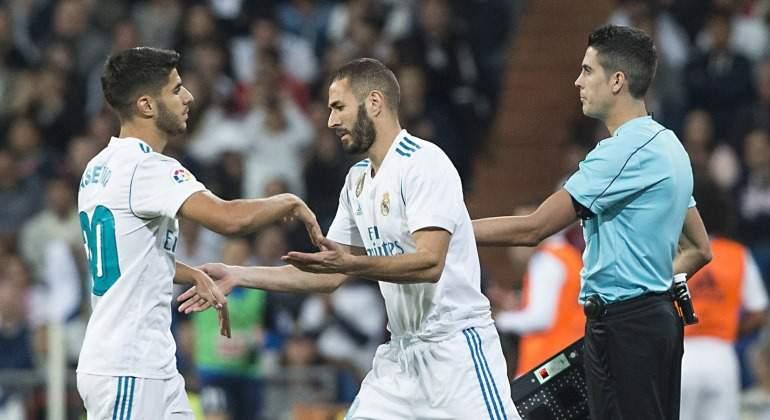 Benzema-Asensio-Cambio-Eibar-2017-efe.jpg