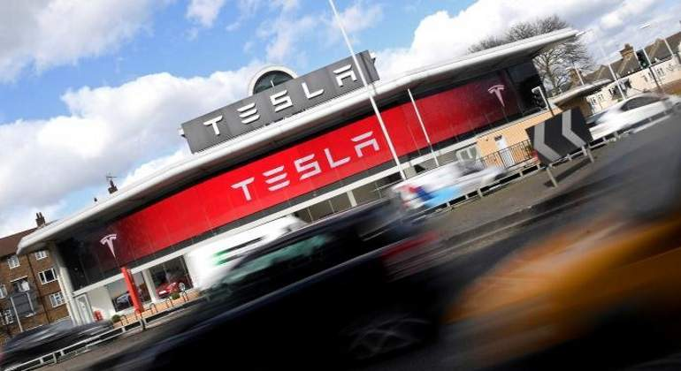 tesla-tencent-reuters.jpg