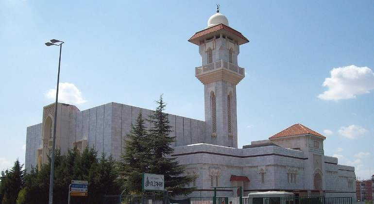 mezquita-m30-wikimedia-commons.jpg