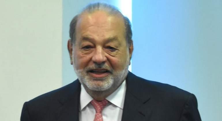 Carlos Slim propone salario a amas de casa