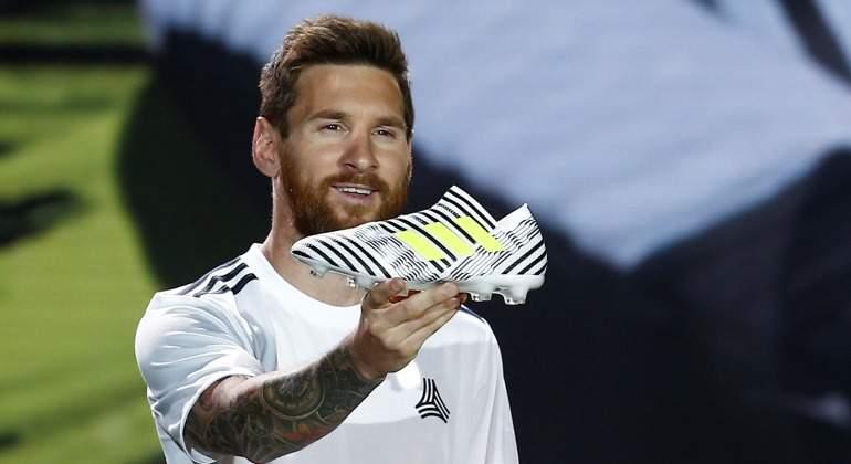 Messi-Bota-Adidas-presentacion-Reuters-2017.jpg