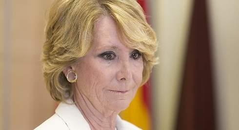 Esperanza Aguirre, tres dimisiones en blanco y negro