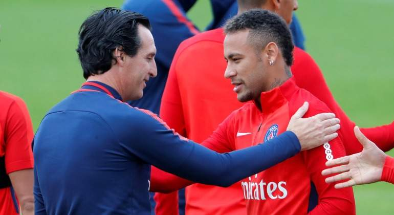 Emery-Neymar-2017-Reuters-Entreno-saludo.jpg