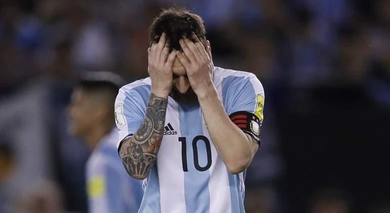 Messi-tapa-cabeza-2017-argentina-capitan-efe.jpg