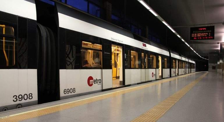 metro-valencia-dreamstime.jpg