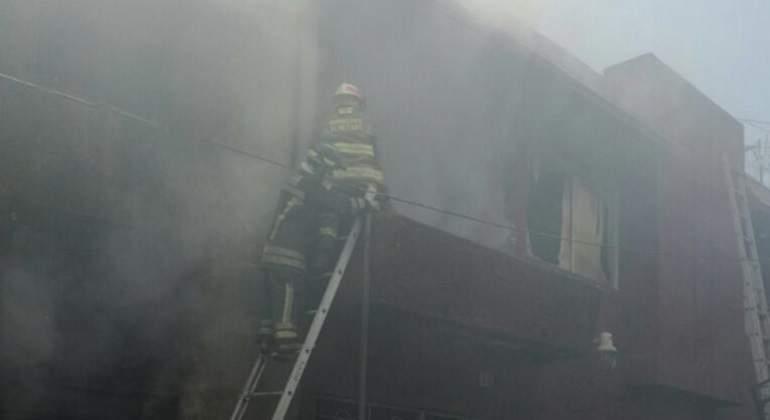 Controlan incendio en fábrica de cartón en Gustavo A. Madero