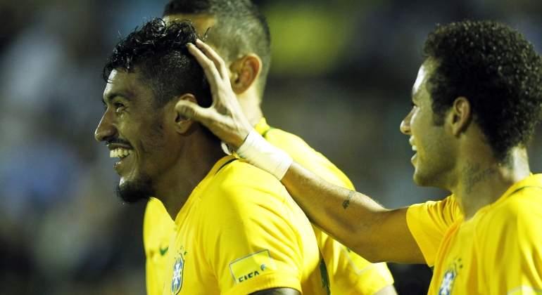 neymar-paulinho-celebran-reuters.jpg