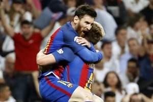Barcelona le roba el liderato al Real Madrid