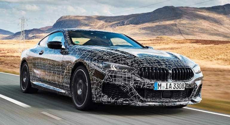 BMW-M850i-xDrive-2018-01.jpg