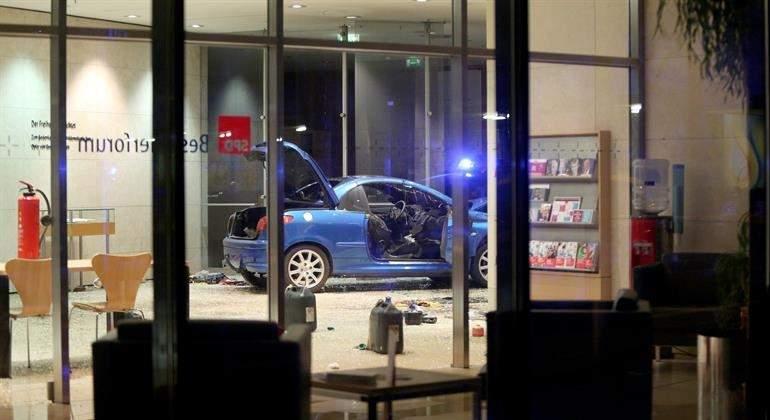 coche-estrellado-spd-berlin-efe.jpg