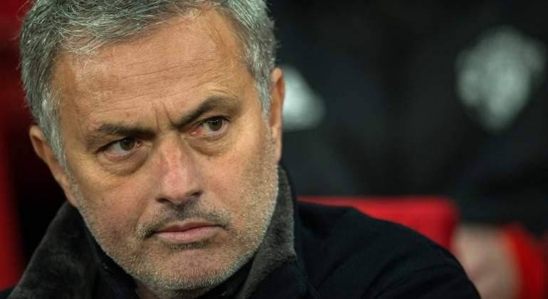 Mourinho-banquillo-2018-Manchester-United-EFE.jpg