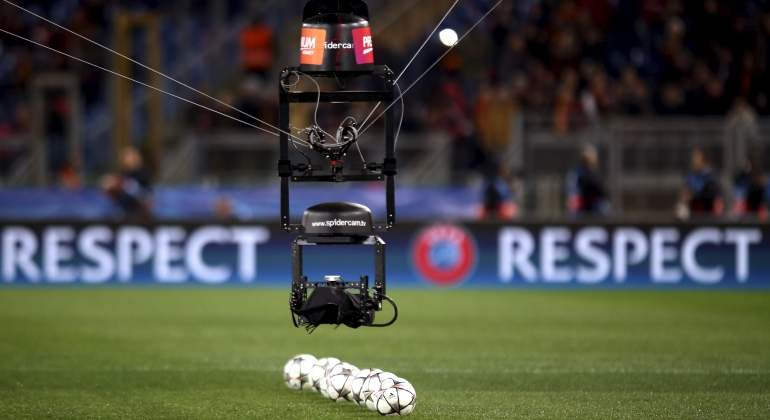 spider-cam-balon-champions-respect-reuters.jpg