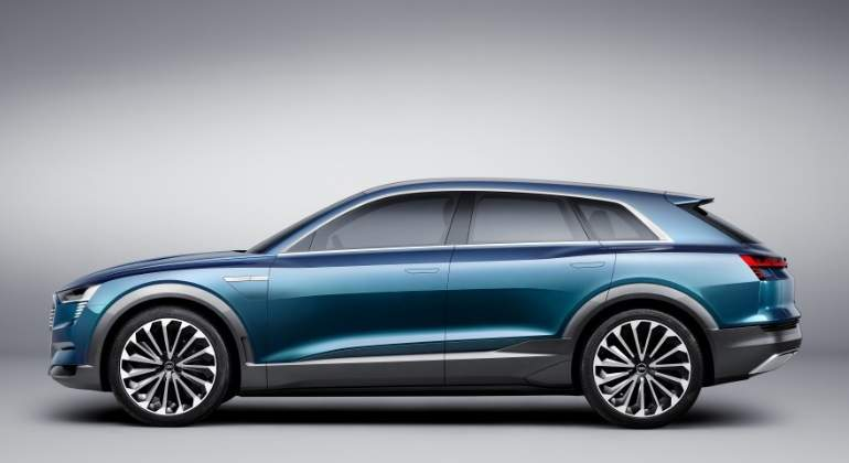 Audi-e-tron-Prototype-2018-3.jpg
