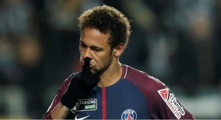 Neymar-gesto-silencio-2018-Reuters.jpg