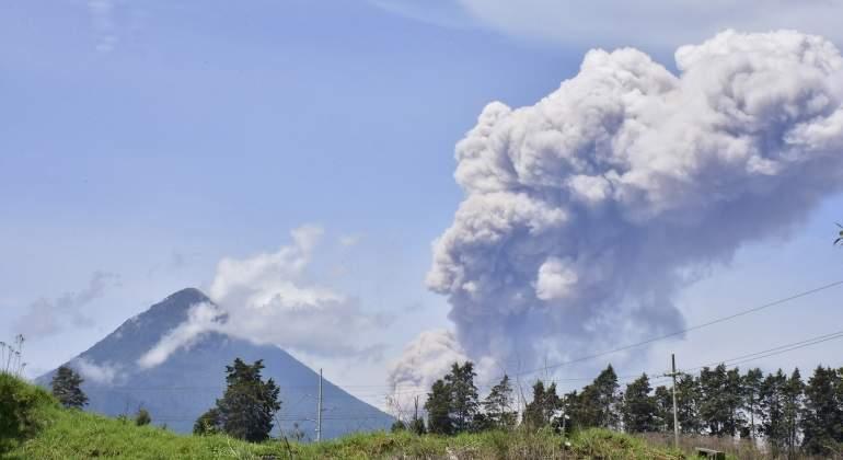 volcan-santiaguito-guatemala-efe-770x420.jpg