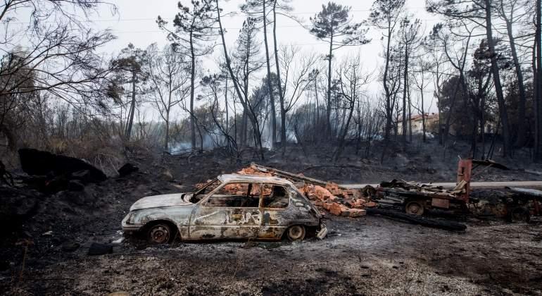coches-quemados-galicia-incendio-efe.jpg