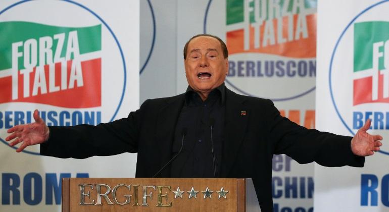Berlusconi avgar