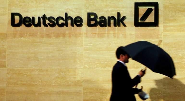 Deutsche-Bank-paraguas.jpg