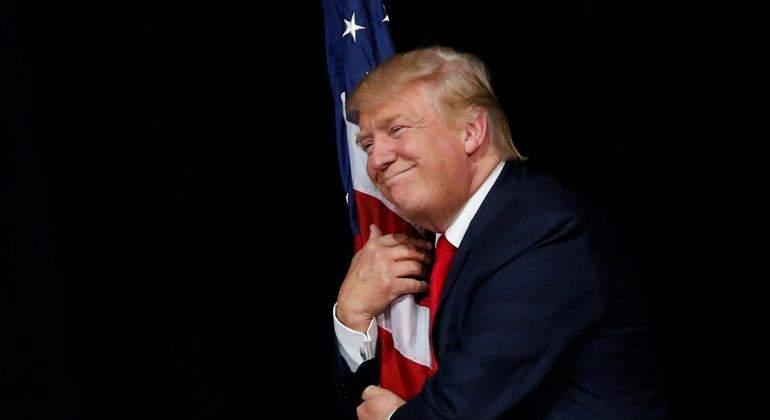 donald-trump-bandera-eeuu-reuters.jpg
