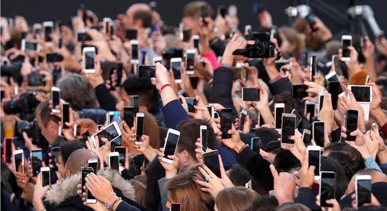 Smartphone-reuters-770.jpg