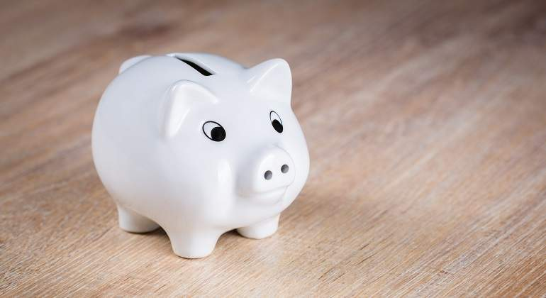ceramic-money-lighting-toy-piglet-figurine-800858-pxhere.com.jpg
